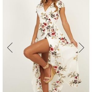 Gorgeous showpo maxi dress perfect for vacay
